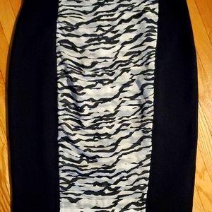 Forever 21 pleat print accent skirt